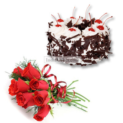 1.5 Kg Eggless Black Forest with 12 Red Roses Bunch