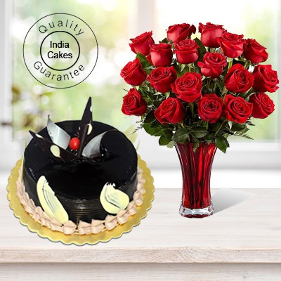 Chocolate Truffle Cake 1 Kg with 6 Red Roses Bunch
