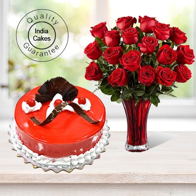 Eggless Strawberry Cake 1 Kg with 6 Red Roses Bunch