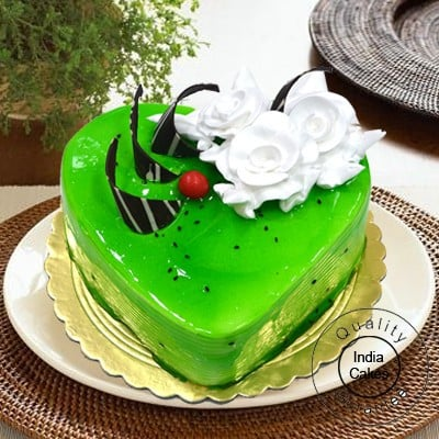 1 Kg Eggless Kiwi Cake Heart Shape