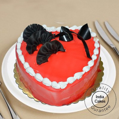 5 Kg Heart Shape Strawberry Cake With Stand