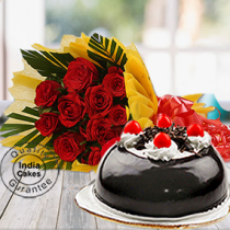Half Kg Black Forest Gel Dome Cake with 12 Red Roses