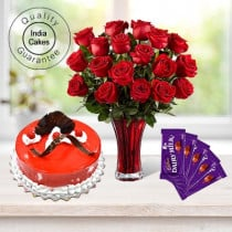 Eggless Strawberry Cake 1 Kg with 6 Red Roses Bunch and 5 Chocolates