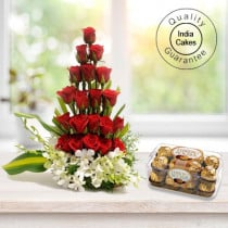 Cute Red Roses Arragement with Ferre Rocher Chocolates