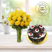 BLACK FOREST CAKE 1 KG WITH 6 YELLOW ROSES BUNCH