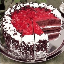 Strawberry Black Forest Cake 1 Kg